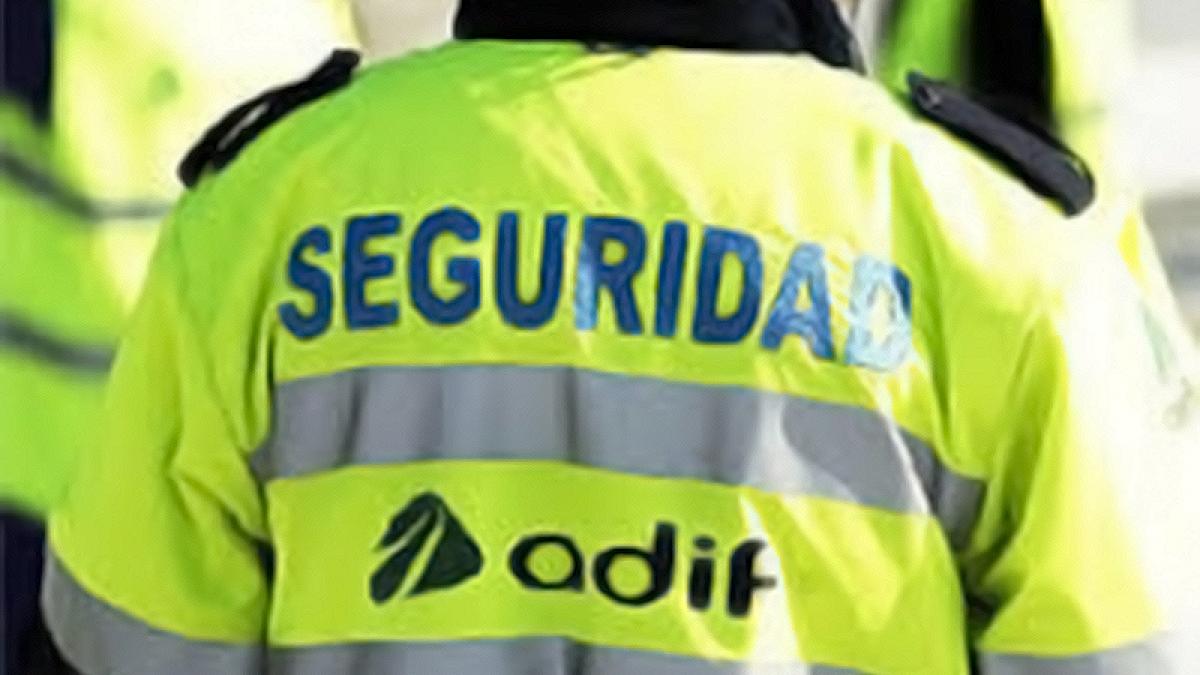 Reconocimiento como responsables de equipo de cuatro vigilantes de seguridad de Prosetecnisa en ADIF en Cantabria.